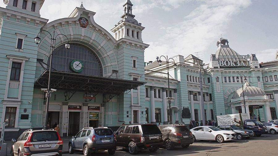 Наанглийском заговорили все столичные вокзалы