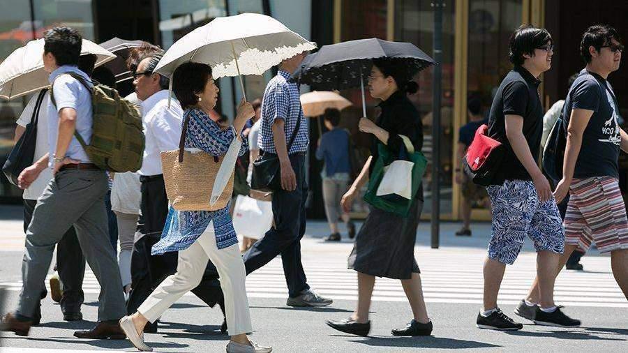 ВЯпонии занеделю степловым ударом госпитализировали практически  700 человек