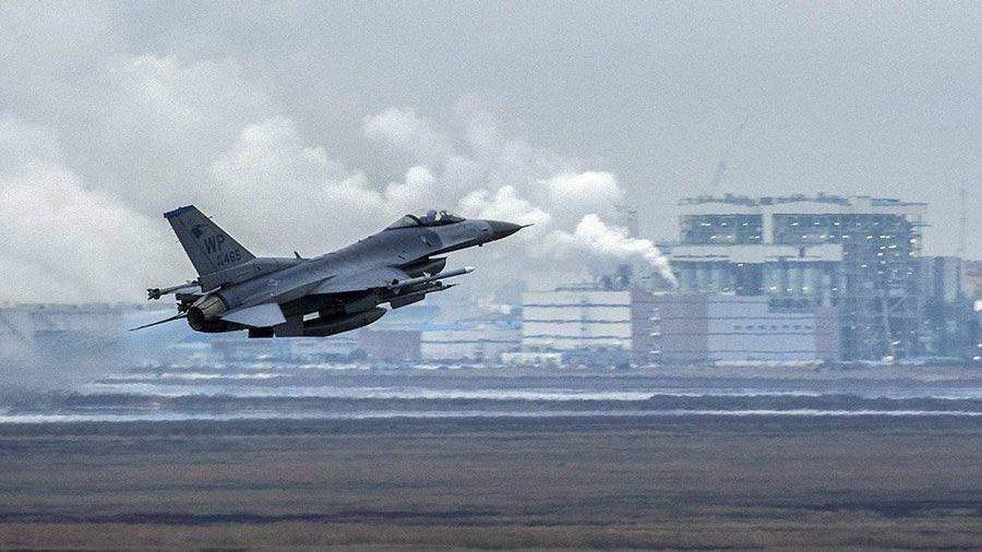 ВСША при посадке перевернулся истребитель F-16