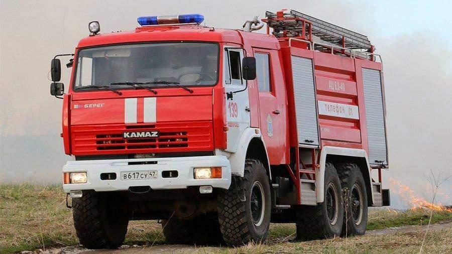 Из-за пожара извоинской части в столице эвакуированы 500 человек