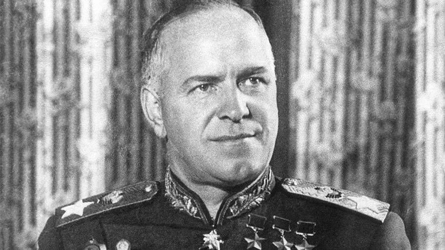 Бронзовый барельеф маршалу Жукову демонтировали вХарькове