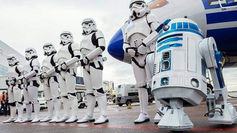 Робот из«Звездных фон» продан за2,76 млн долларов